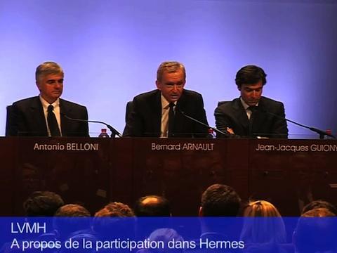 Bernard Arnault Pdg de LVMH lors de la conférence sur les résultats annuels 2011