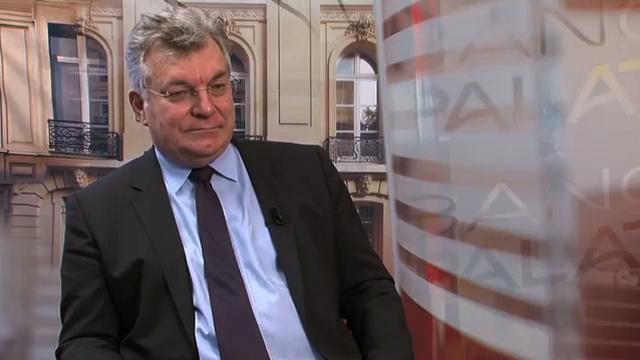 """Economie : Interview Philippe Waechter Chef économiste Natixis AM : """"La France est fragilisée parce que sa demande interne, sa consommation, son investissement s'infléchissent """""""